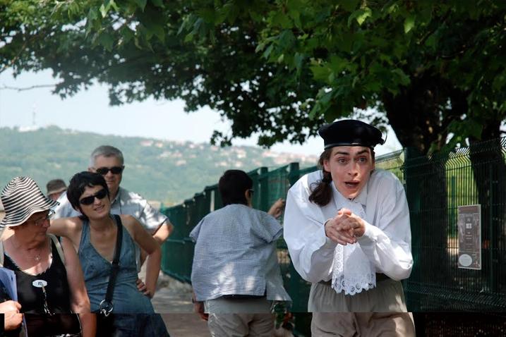 Conception et mises en scène:  Marie Chabauty, Tambour: Enguerrand Ecarnot, Jeu: Baptiste Chabauty, Catherine Clerc, Esther Chapuis pour le conte.