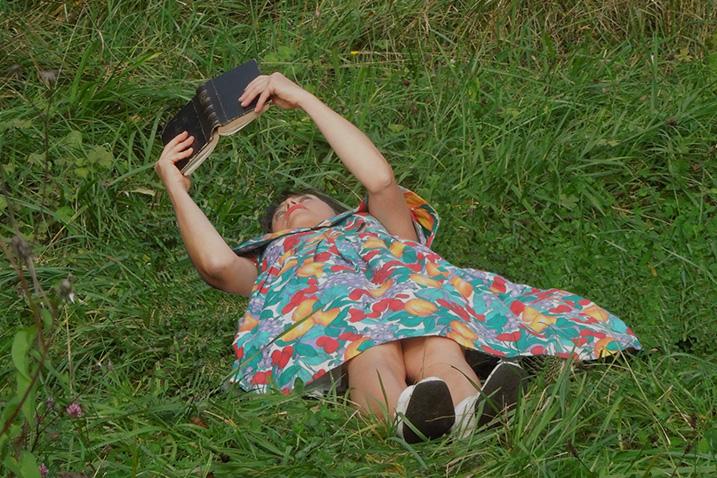 Ecriture et Mise en scène: Marie Chabauty – Jeu et chant: Catherine Clerc et Baptiste Chabauty. Accordéon: Elise Becker Crédit photo : www.babzyphotosblog.blogspot.fr